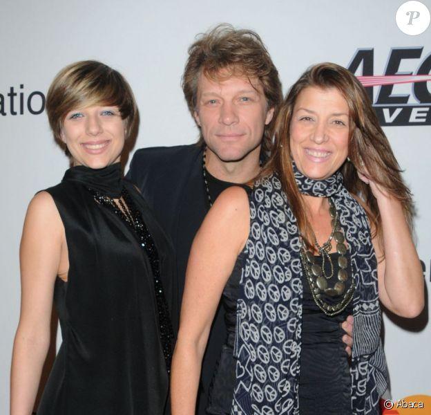 Jon Bon Jovi accompagné par sa fille Stephanie et son épouse Dorothea à Los Angeles le 30 janvier 2012.
