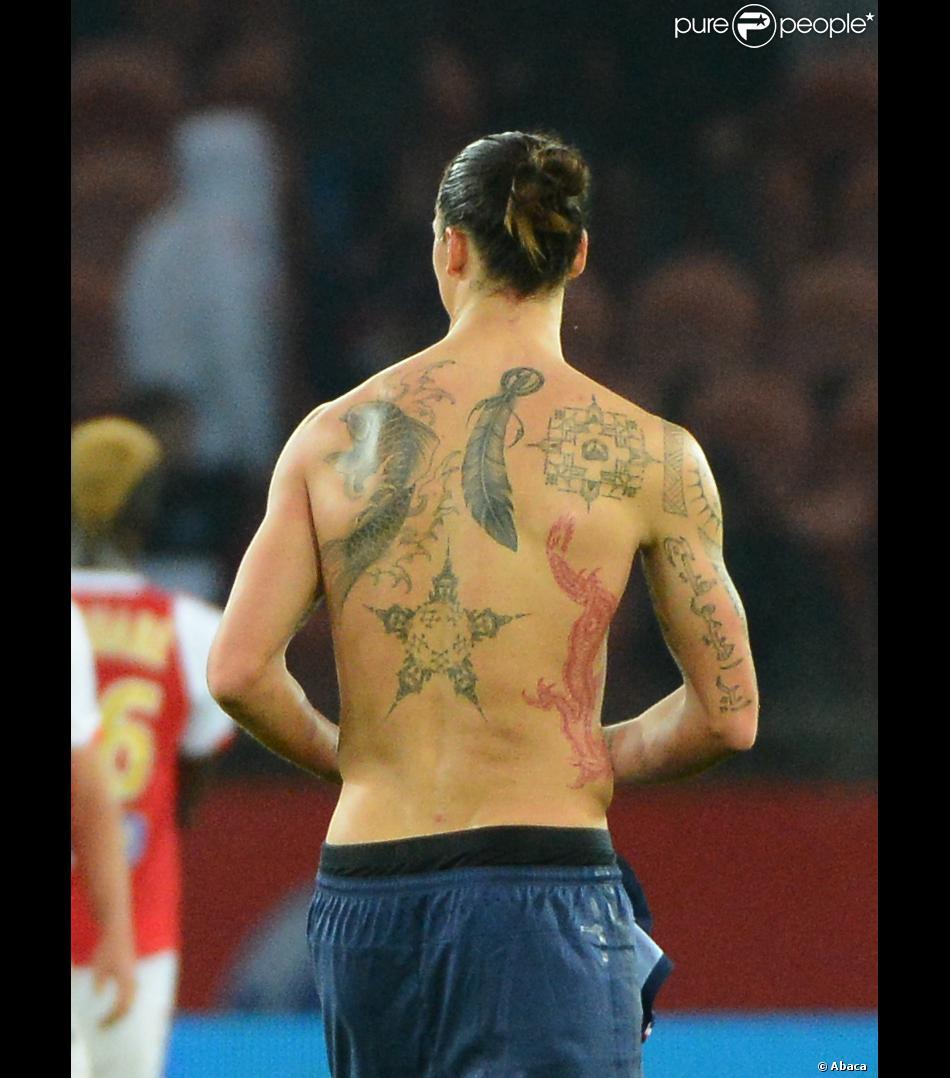 Zlatan ibrahimovic et les tatouages son corps transform en oeuvre d 39 art purepeople - Tatouage representant la famille ...