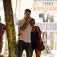 Scarlett Johansson et Nate Naylor en balade à Saint-Germain-des-Prés à Paris le 19 août 2012