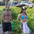 Jennifer Lawrence et son frère. Elle passe actuellement ses vacances à Hawaï avec sa famille. Photo prise le 21 novembre 2012.