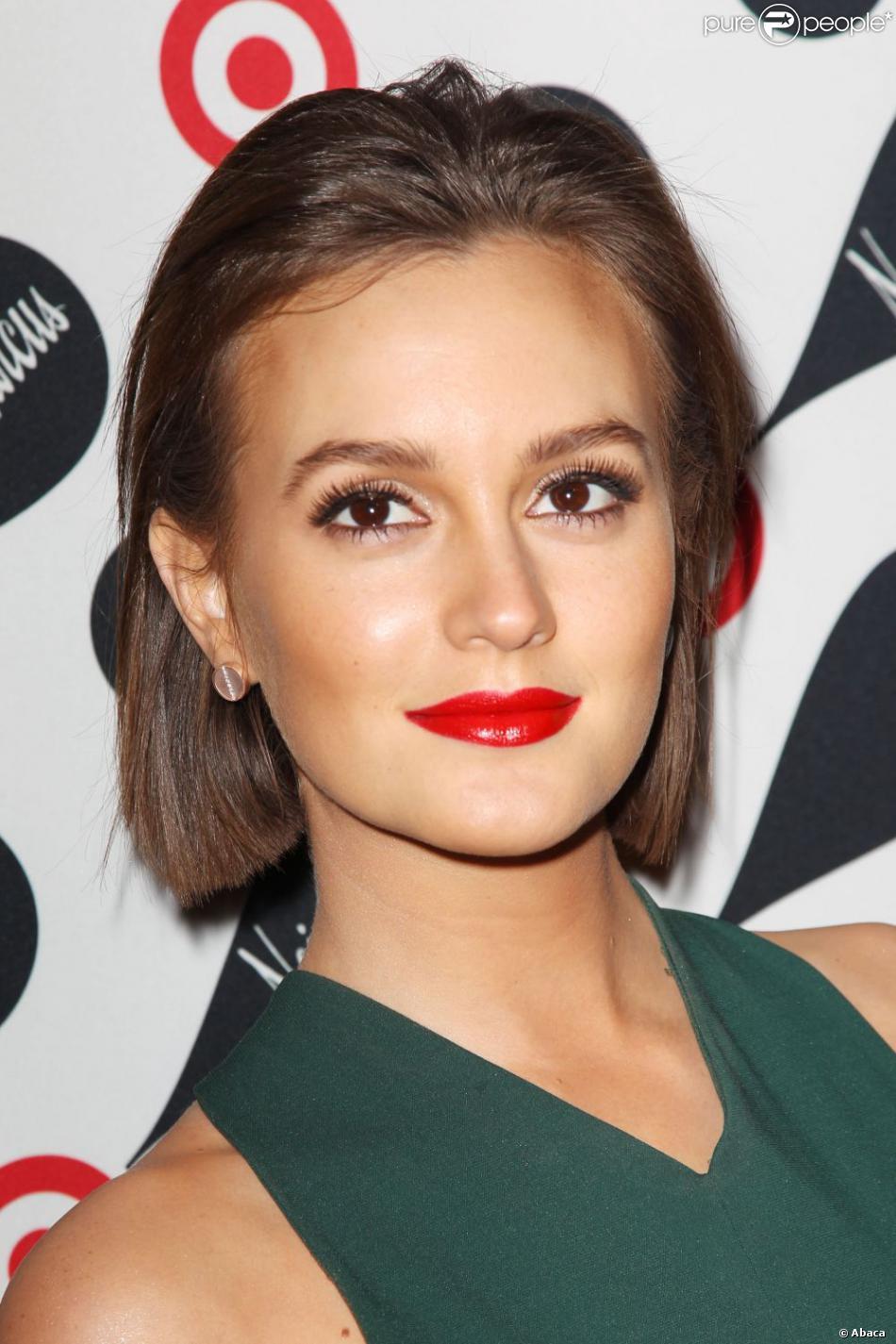 """Leighton Meester a dévoilé sa nouvelle coupe courte lors d""""une soirée shopping à New York le 28 novembre 2012"""