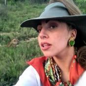 Lady Gaga : Même en plein safari, elle soigne son look !