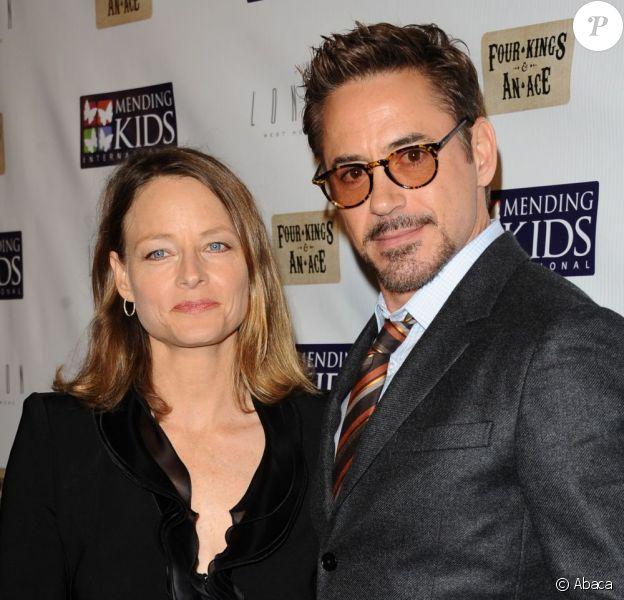 Jodie Foster et Robert Downey Jr. lors de la soirée Mending Kids International au London Hotel du West Hollywood à Los Angeles, le 1er décembre 2012.