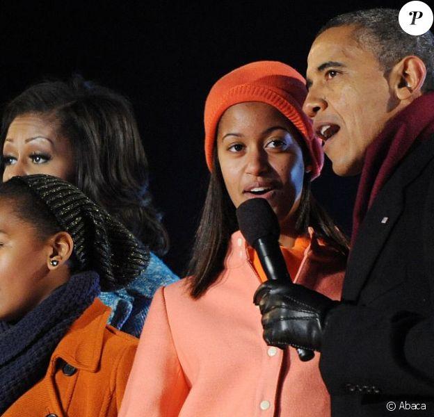 Président Obama, Michelle Obama, Malia et Sasha Obama le 6 décembre 2012. Ils ont illuminé l'arbre de Noël national.