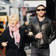 Hugh Jackman au côté de sa femme Deborra-Lee Furness à Soho, New York, le 12 décembre 2012.
