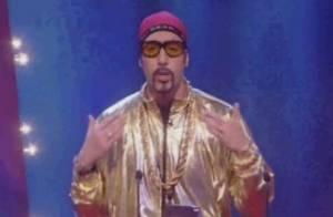 Sacha Baron Cohen : Le Dictator retrouve le costume d'Ali G pour faire scandale