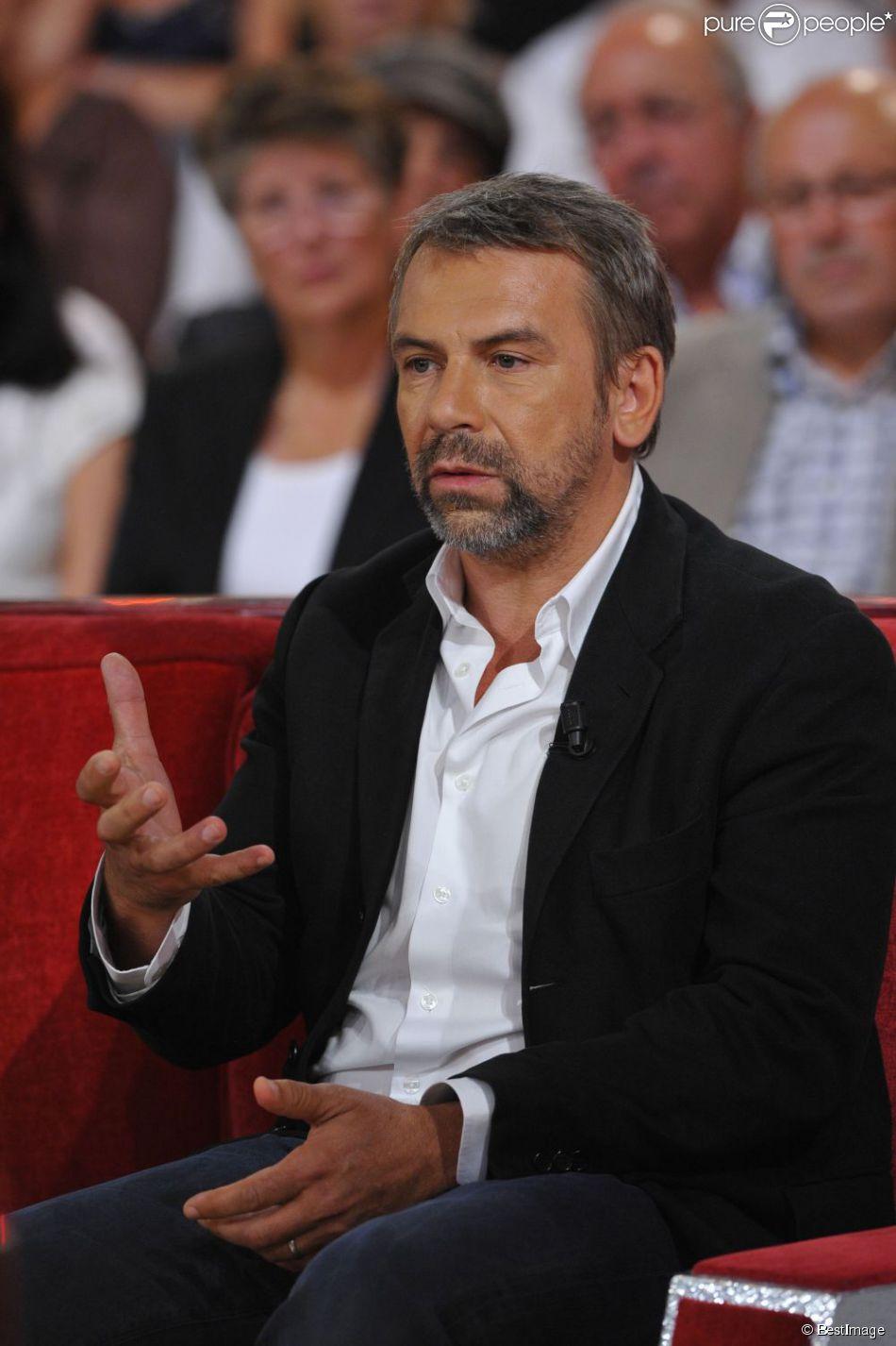 Philippe Torreton durant l'enregistrement de vivement dimanche à Paris le 4 septembre 2011.