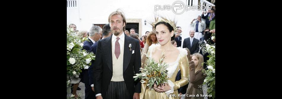 Le prince Aimone de Savoie-Aoste et la princesse Olga, ici en photo lors de leur mariage sur l'île de Patmos en septembre 2008, ont accueilli leur troisième enfant - leur première fille - : le 14 décembre 2012, la princesse Isabella est née, à Paris.