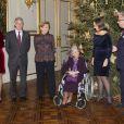 La princesse Mathilde, le prince Philippe, la reine Paola, la reine Fabiola, la princesse Claire et le prince Laurent. La famille royale de Belgique assistait le 19 décembre 2012 au palais Laeken, à Bruxelles, au concert de Noël annuel, suivi d'une réception.
