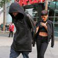 Chris Brown et Rihanna quittent le Staples Center main dans la main après avoir assisté à un match de basket le jour de Noël à Los Angeles, le 25 décembre 2012.