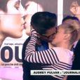 Enora Malagré embrasse Audrey Pulvar sur la bouche dans Touche pas à mon poste sur France 4