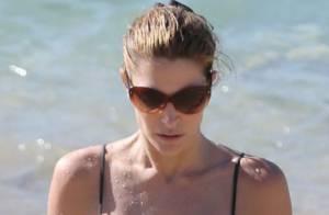 Stephanie Seymour : 44 ans et un corps de rêve qu'elle exhibe à la plage