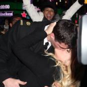 Jenny McCarthy : Un baiser fougueux pour saluer l'arrivée de 2013