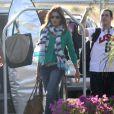 Cindy Crawford arrive à l'hôtel au Mexique pour les vacances de Thanksgiving le 21 novembre 2012 en compagnie de son mari, de George Clooney et sa compagne.
