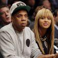 Beyoncé Knowles et Jay-Z lors d'un match des Nets de Brooklyn au Barclays Center de New York le 26 novembre 2012