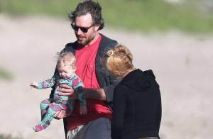 Jessica Simpson enceinte : Décontractée et décoiffée avec sa fille à Hawaï