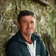 L'amour est dans le pré 8 - Philippe, le Breton, 52 ans, éleveur de vaches allaitantes et producteur de cidre. Mais il est aussi animateur dans des soirées.