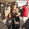 Salma Hayek et sa fille arrivent à l'aéroport Los Angeles le 7 janvier 2013.