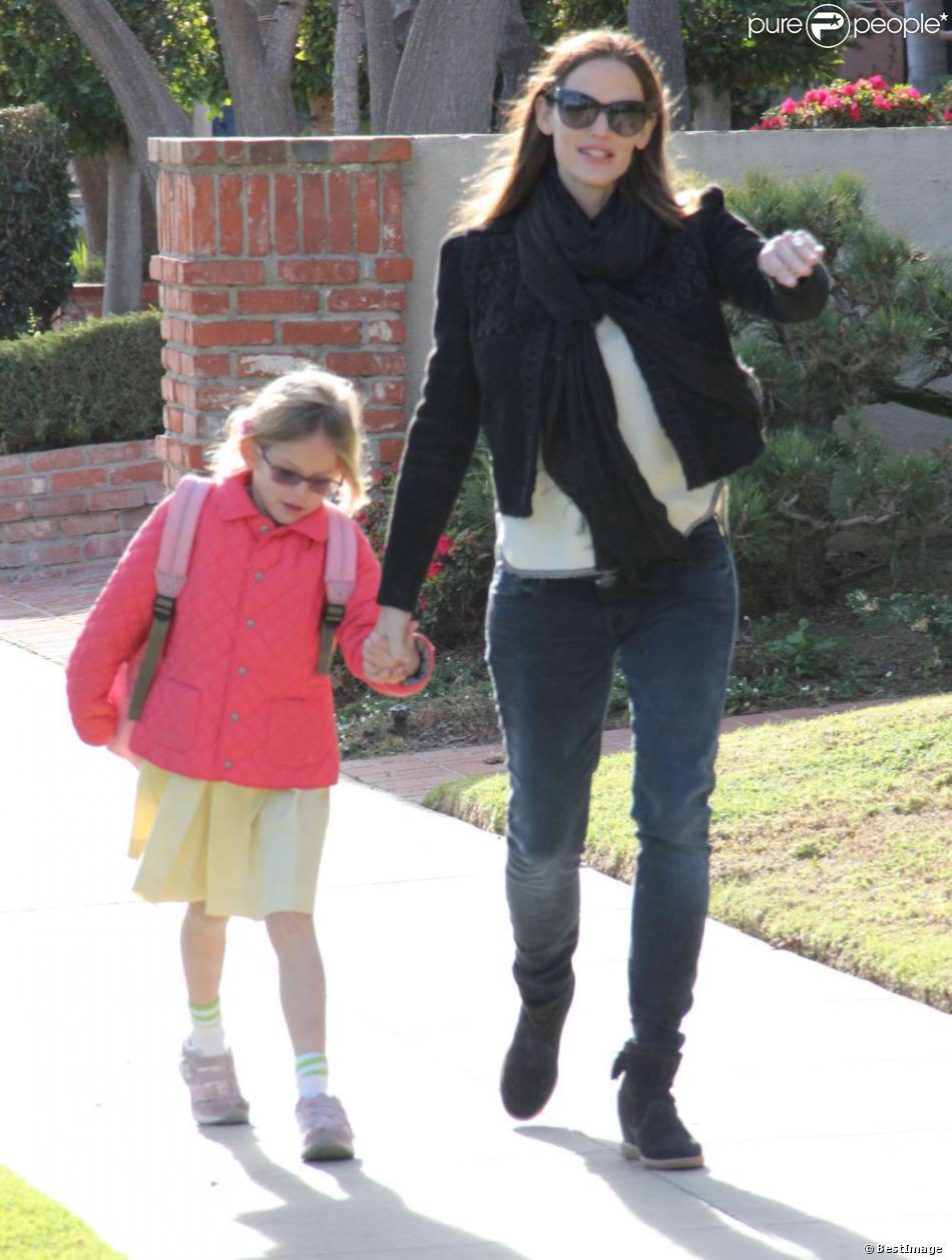 Jennifer Garner et sa fille Violet vont chercher des glaces au yaourt à Brentwood, le 14 janvier 2013