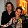 Richard Orlinski et Victoria Abril lors du vernissage de l'exposition de Richard Orlinski au Sofitel Le Faubourg à Paris, le 15 janvier 2013