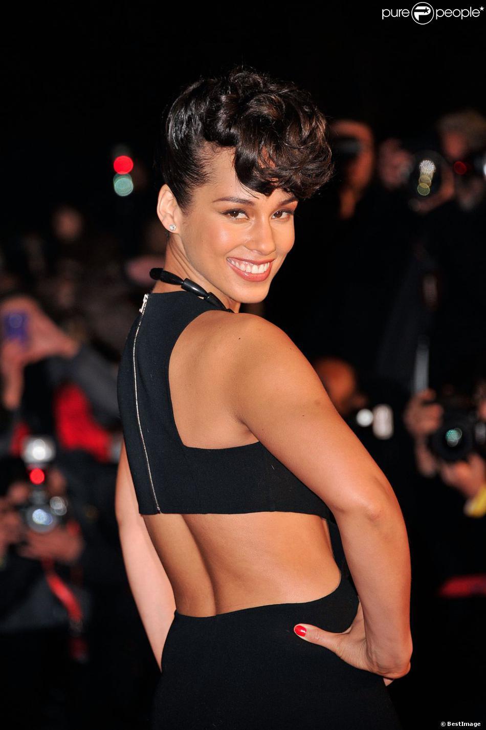 Alicia Keys à la 14e édition des NRJ Music Awards au Palais des Festivals à Cannes le 26 Janvier 2013.