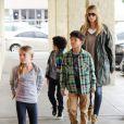 Heidi Klum a emmené ses enfants et son nouveau compagnon Martin Kristen faire des courses à Los Angeles, le 27 janvier 2013.