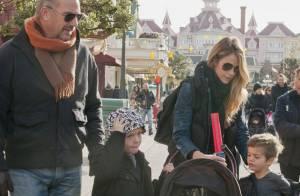 Kevin Costner: Papa comblé et amoureux, il s'amuse avec ses enfants à Disneyland