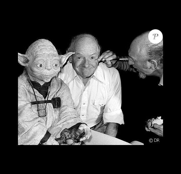 Stuart Freeborn élabore maquillage de Yoda pour les trois premiers épisodes de Star Wars.