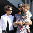 La belle Alicia Keys avec son mari Swizz Beatz et leur fils Egypt, à la sortie d'un restaurant, à West Hollywood, le 12 février 2013.