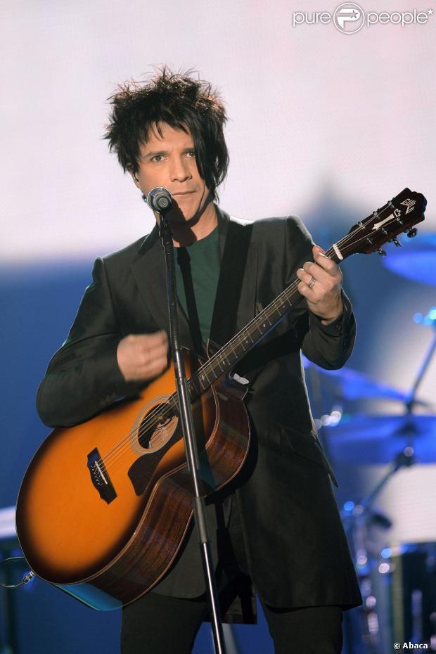 Nicolas Sirkis sur la scène des  Victoires de la Musique , le 11 mars 2007.