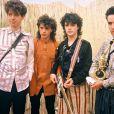 En 1985 le groupe Indochine est encore composé de Dominique Nicolas, Nicola et Stéphane Sirkis, et Dimitri Bodianski.