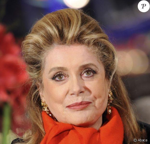 L'élégance à la française incarnée par Catherine Deneuve à la première du film Elle S'en Va, durant la 63e Berlinale, le 15 février 2013.