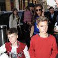 David Beckham, sa femme Victoria et leurs enfants Brooklyn, Romeo, Cruz et Harper arrivent à la gare de Saint Pancras pour rejoindre Paris en Eurostar, le 18 février 2013 à Londres