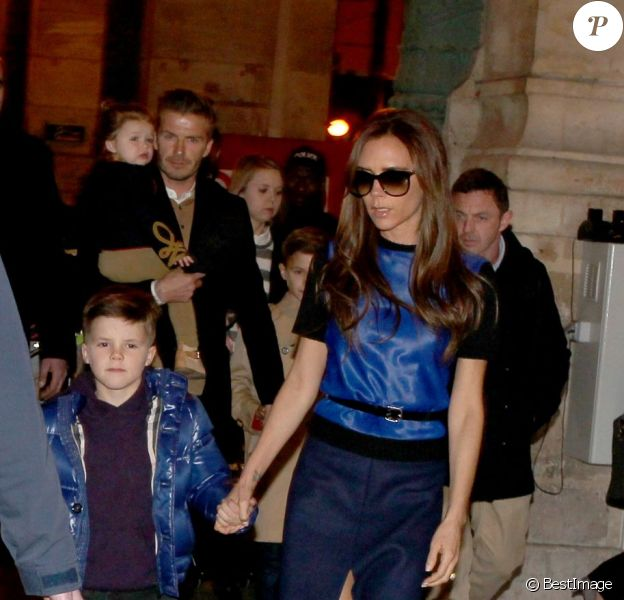 David Beckham, sa femme Victoria et leurs enfants Brooklyn, Romeo, Cruz et Harper sont arrivés lundi 18 février 2013 à la garde du Nord pour leur premier séjour parisien depuis la siganture du Spice Boy au PSG