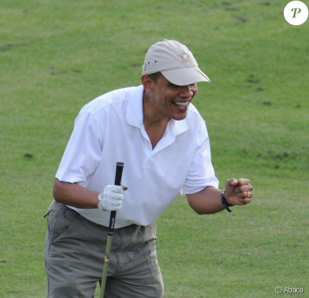 Barack Obama lors d'une partie de golf au Mid-Pacific Country Club de Kailua, à Hawaï le 28 décembre 2010