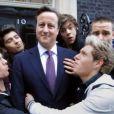 Les chanteurs de One Direction s'éclatent dans le clip de One way or another au profit de l'association Comic Relief avec David Cameron. Le clip a été mis en ligne le 21 février 2013.
