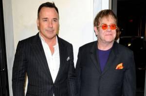 Elton John et Tommy Lee Jones : Élégants et en couple pour une soirée caritative