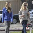 Jennie Garth et sa grande fille Luca faisant du shopping à Studio City le 22 février 2013.