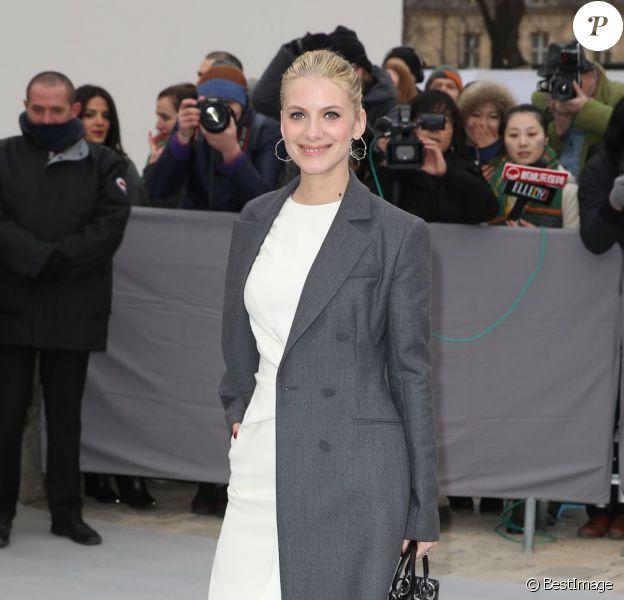 Mélanie Laurent arrive au défilé Dior à Paris le 1er mars 2013