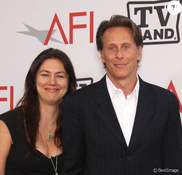 Steven Weber et sa femme Juliette Hohnen, à  38e soirée Annual Lifetime Achievement Awards, à Los Angeles, le 10 juin 2010.