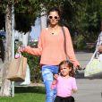 Le top Alessandra Ambrosio, son fils Noah et sa fille Anja à Los Angeles, le 4 mars 2013. La petite famille va rendre visite à des amis.
