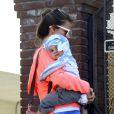 Alessandra Ambrosio, son fils Noah et sa fille Anja à Los Angeles, le 4 mars 2013. La petite famille va rendre visite à des amis.