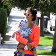 La belle Alessandra Ambrosio, son fils Noah et sa fille Anja à Los Angeles, le 4 mars 2013. La petite famille va rendre visite à des amis.