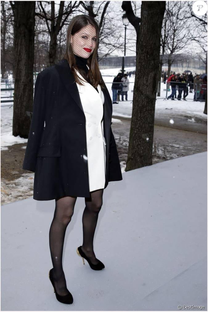 Laetitia casta au d fil dior au jardin des tuileries paris le 20 janvier 2013 for Kiosque jardin des tuileries
