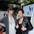 L'animatrice Daphné Bürki et Gunther Love présentent leurs nouvelles cannettes Schweppes Zero à l'Hôtel Amour à Paris, le 19 mars 2013.