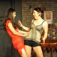 """EXCLU : Adeline Blondieau et Séverine Robic lors du filage de la pièce """"Comment refiler son mec à sa meilleure amie"""" au théâtre Montmartre Galabru à Paris le 7 mars 2013. Adeline est sur scène depuis le 15 mars."""
