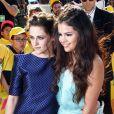 Kristen Stewart et Selena Gomez lors de la 26ème édition des Kids' Choice Awards, le samedi 23 mars à Los Angeles.