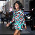 La chanteuse Brandy, de retour à son hôtel après une apparition dans l'émission The Wendy Williams Show à New York., porte un cardigan et une jupe Kenzo avec des sandales Nicolas Kirkwood. Le 26 mars 2013.