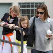Jennifer Garner : Maman attentive avec ses karaté kids Seraphina et Violet