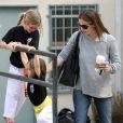 Jennifer Garner et ses filles à Brentwood, le 29 mars 2013.
